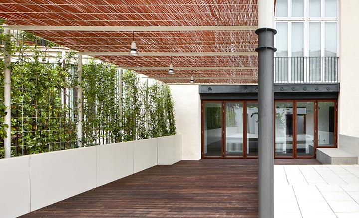 Jardineria de De Buena Planta para una reforma de una vivienda en la calle Valencia de Barcelona con Arquitectura-G