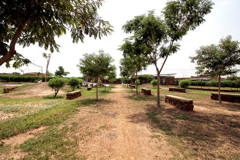 Plaza CCB para la Fundación Amigos de Rimkieta en Burkina Faso por De Buena Planta