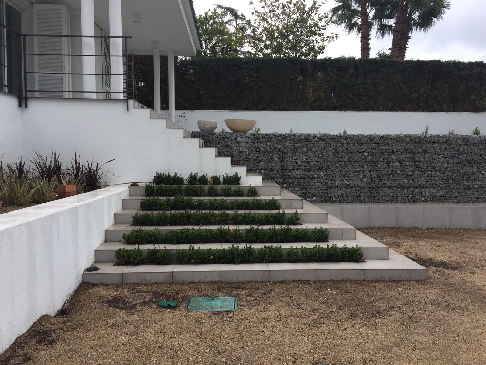 Jardin en Masnou por De Buena Planta